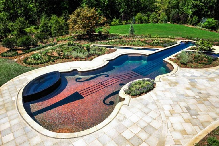 5 Great Ideas For Swimming Pool Landscaping