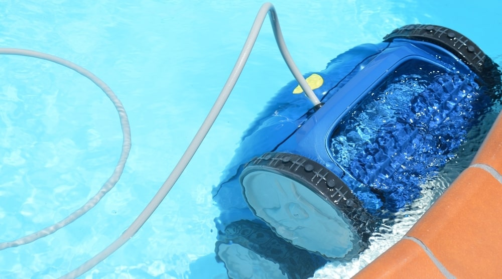 auto swimming pool cleaners