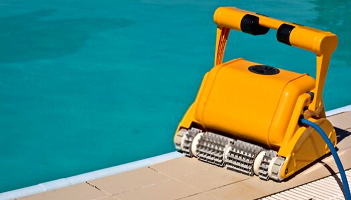 pool cleaning machine