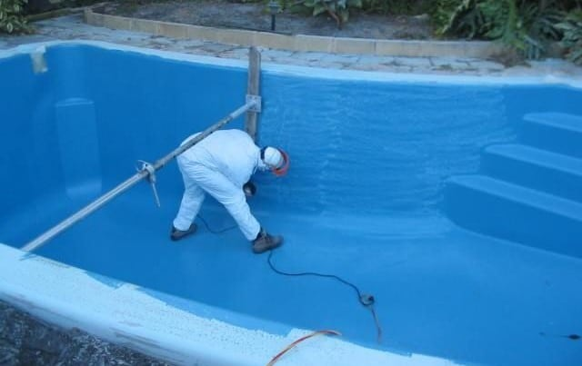 It's a good idea to get at least one professional servicing of the pool every year to keep it in good shape. Professionals can do things which you can't do for the pool. They are good at checking the pool equipment and parts like filters, heating systems and pumps.