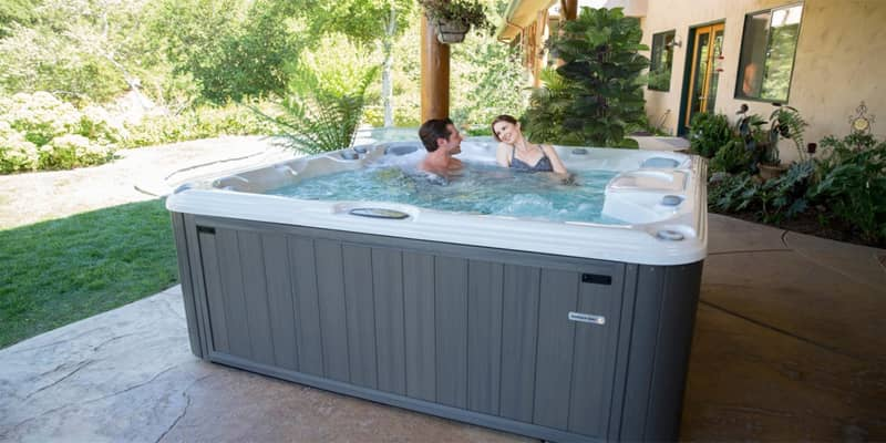 Jacuzzi Vs hot tubs